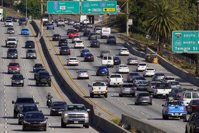 92d085d05e984c09b8fa2048d3994895_US_California_Gas_Vehicles_15586_4705x3137.jpg